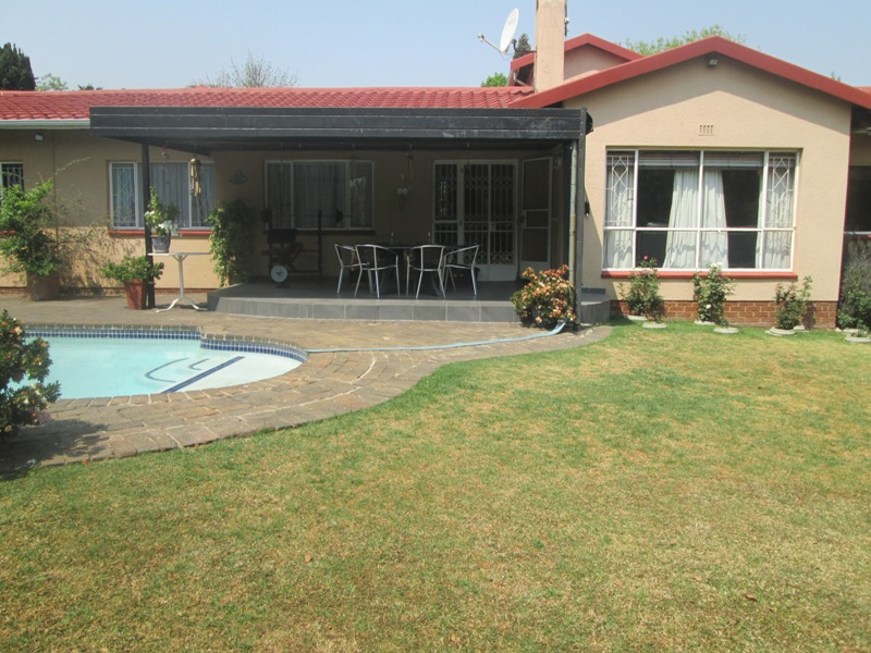 4 BedroomHouse For Sale In Highway Gardens
