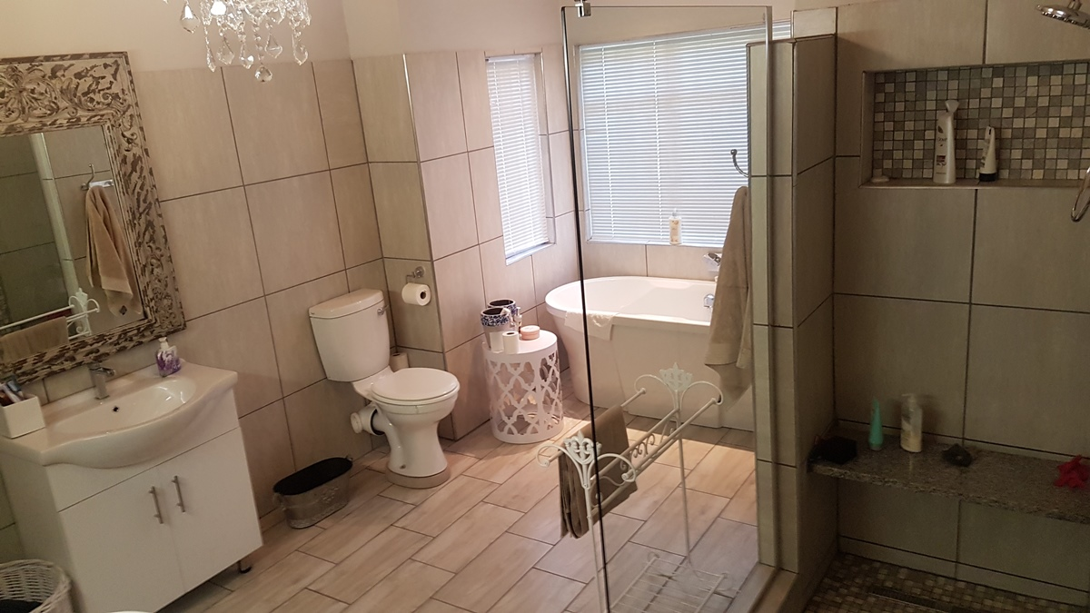 5 Bedroom House for sale in Brits ENT0081489 : photo#12