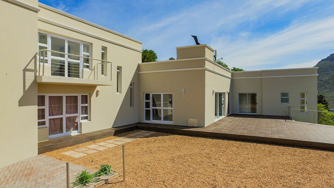 6 BedroomHouse For Sale In Mount Rhodes