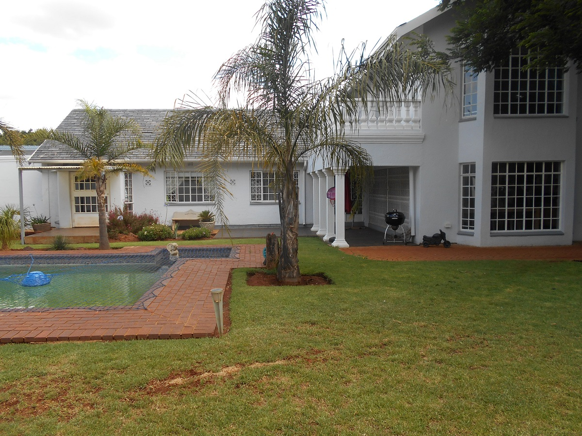 4 BedroomHouse For Sale In Larrendale