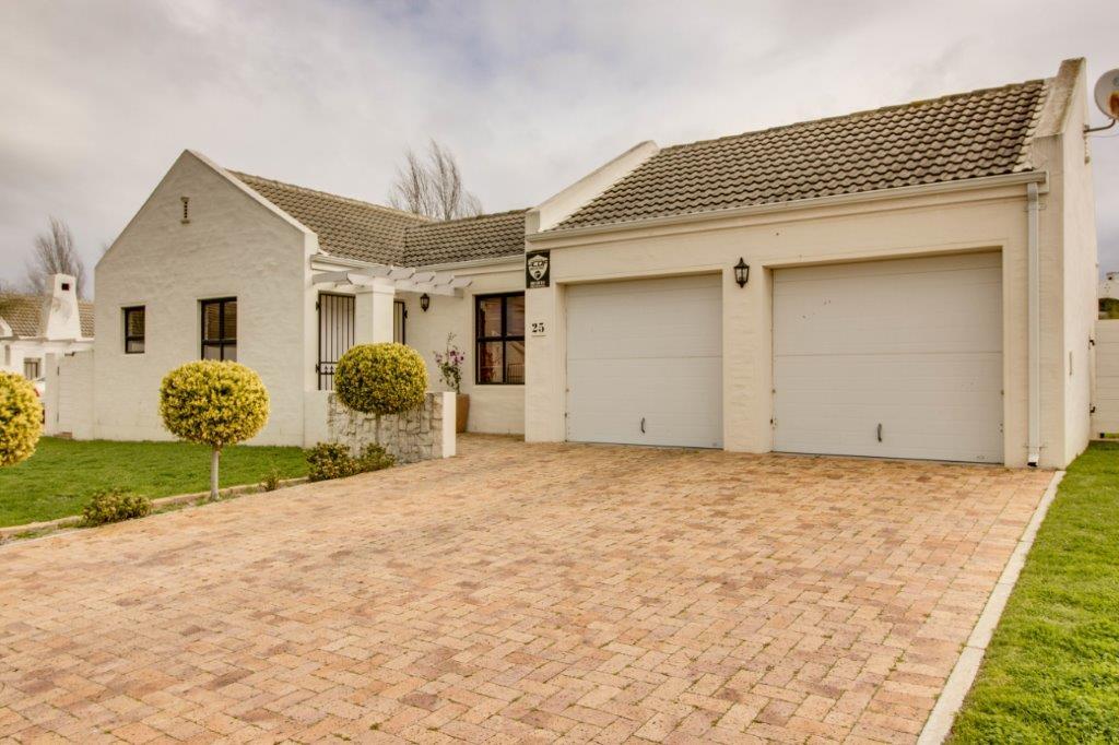 3 Bedroom House for sale in Pinehurst ENT0066586 : photo#0