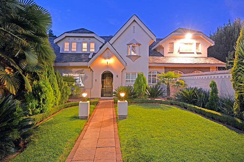 Exclusive luxury home in Potchefstroom close to Northwest University.