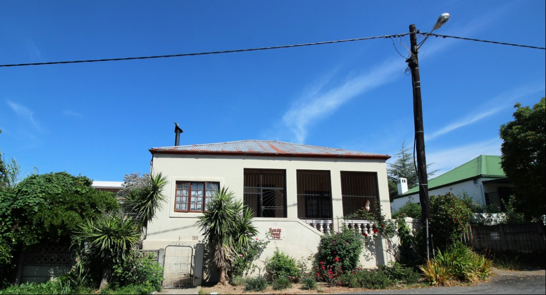 3 Bedroom family house with granny flat | Grabouw