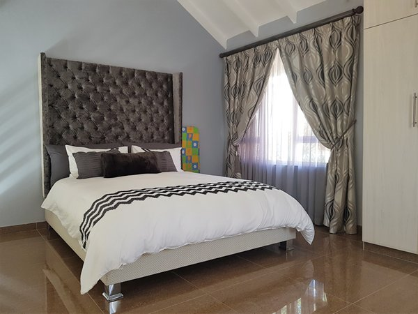 3 BedroomTownhouse For Sale In Somerset Park