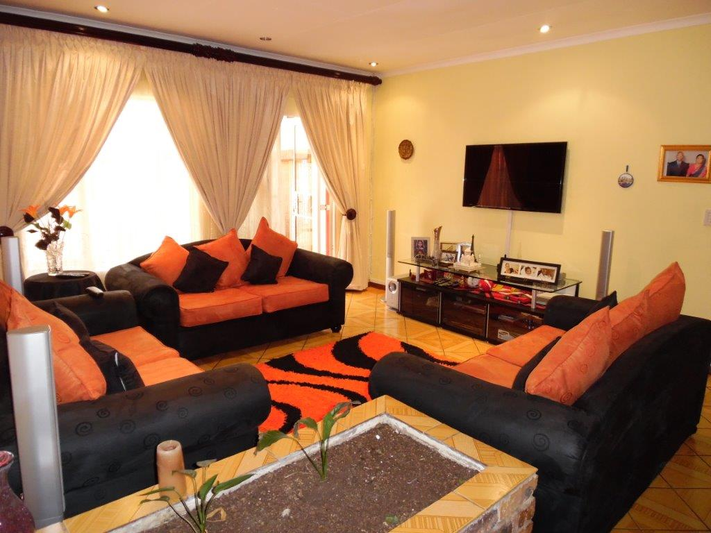 5 Bedroom House for sale in Ridgeway Ext 5 ENT0000855 : photo#9