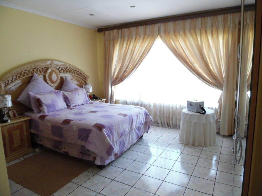 5 Bedroom House for sale in Ridgeway Ext 5 ENT0000855 : photo#11