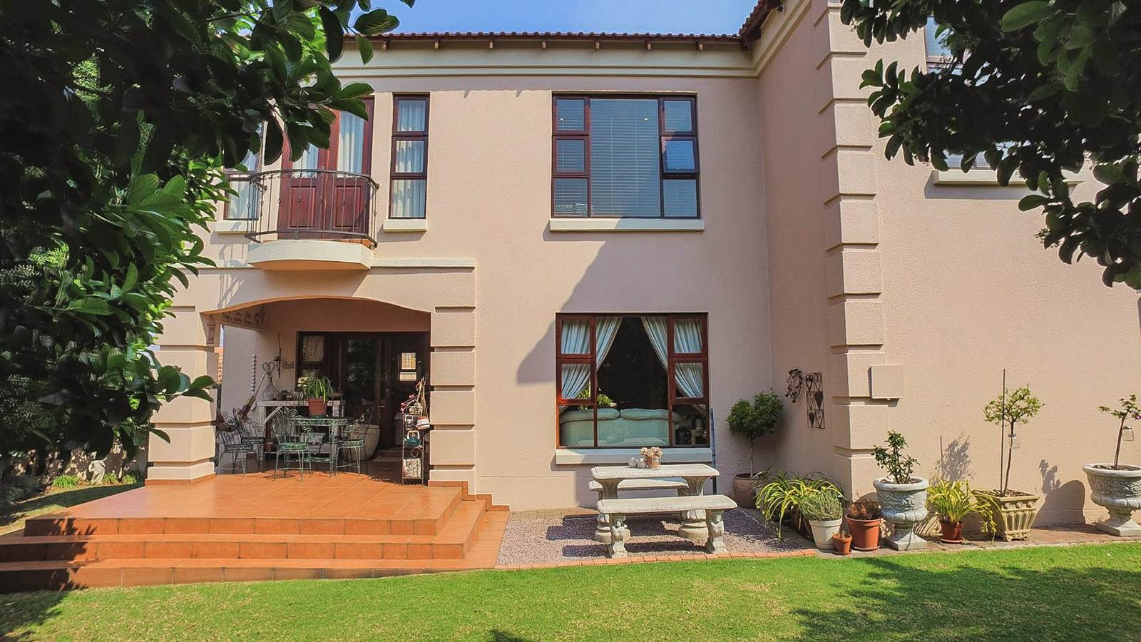 4 Bedroom Townhouse for sale in Mulbarton ENT0067436 : photo#1