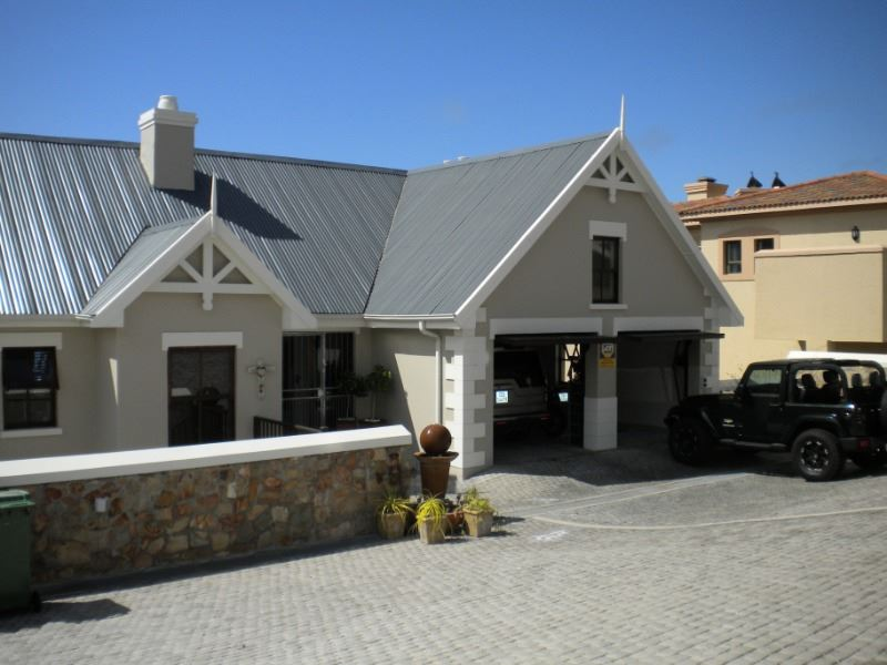 3 BedroomHouse For Sale In Mossel Bay