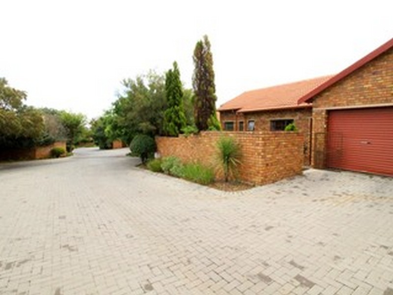 3 Bedroom Townhouse for sale in Kyalami Hills ENT0029715 : photo#17