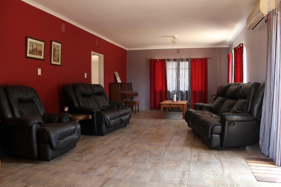 7 BedroomSmall Holding For Sale In Joostenbergvlakte