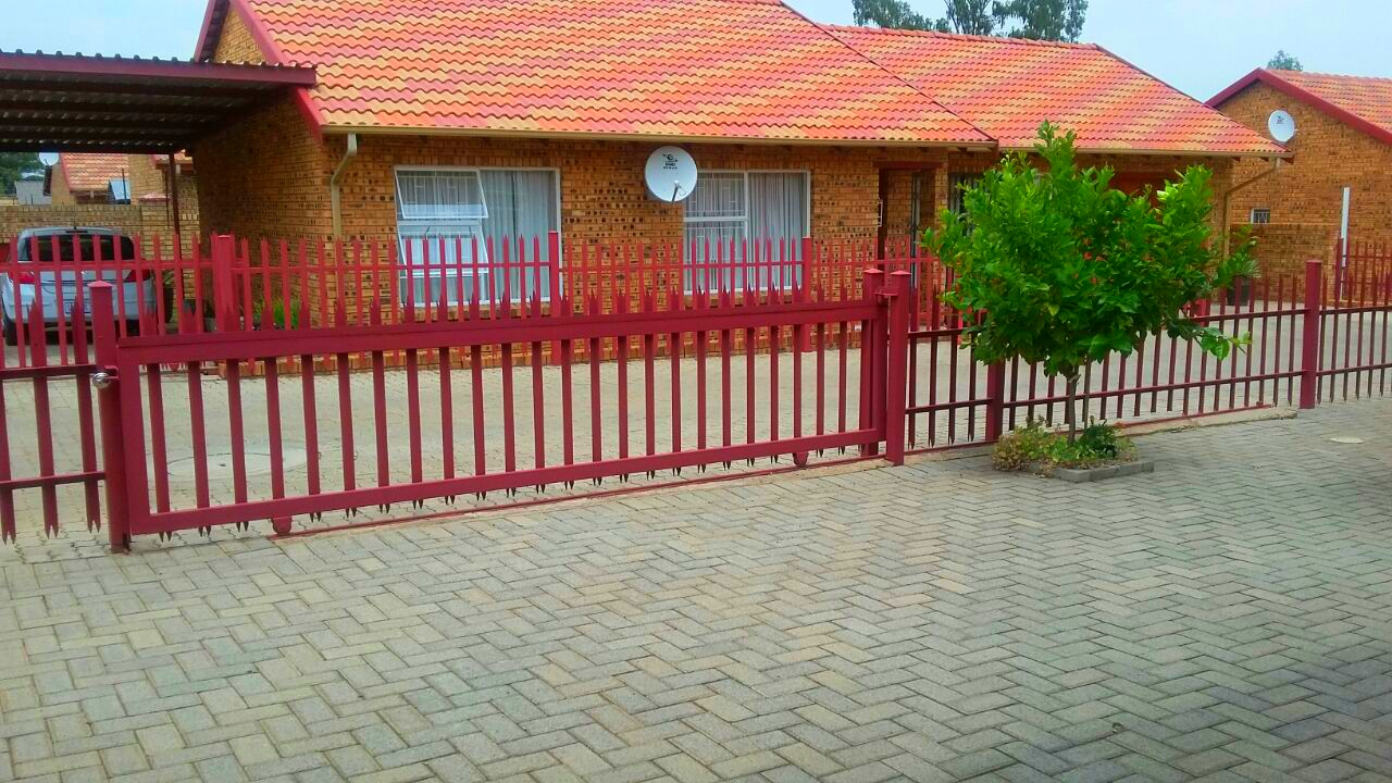 2 BedroomHouse For Sale In Riversdale