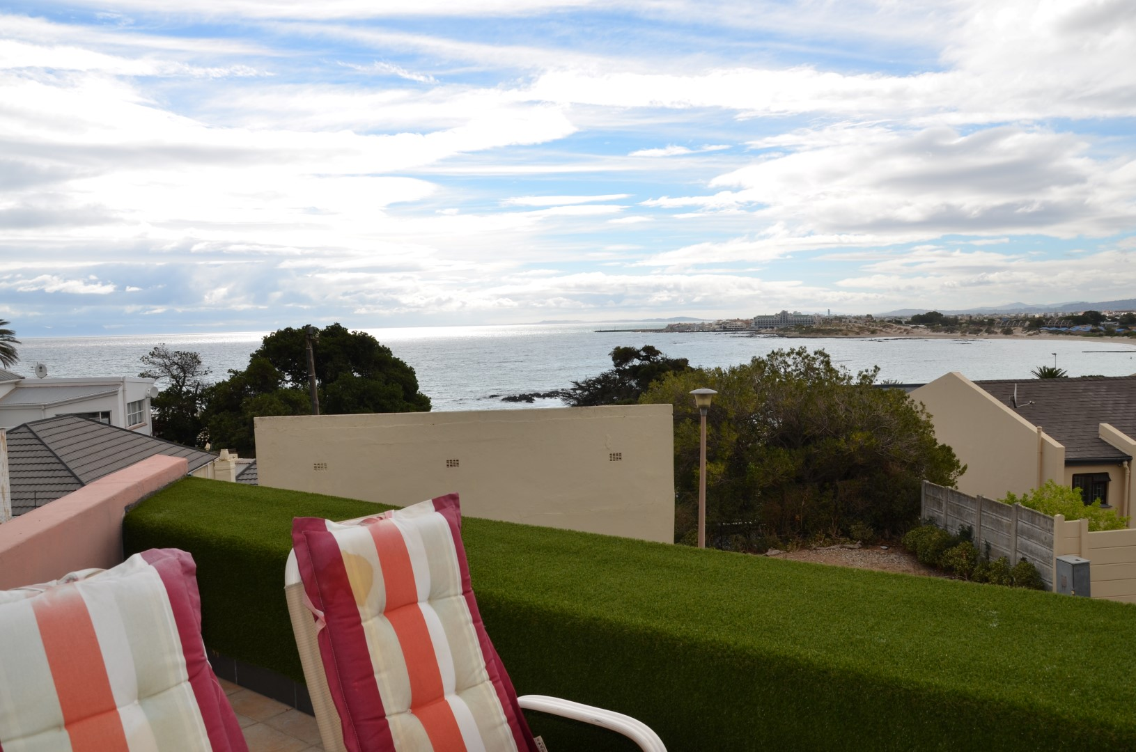 Large 6 Bedroom House for sale in Gordon's Bay