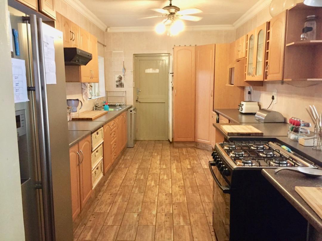 4 Bedroom Home in the heart of Queenswood