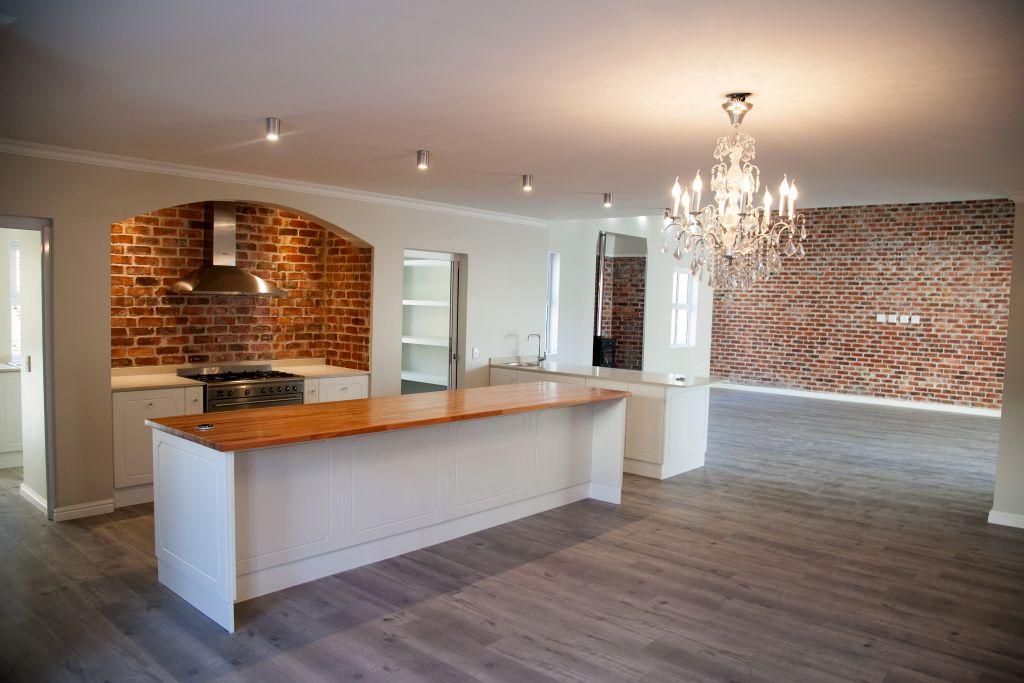 4 BedroomHouse For Sale In Franschhoek