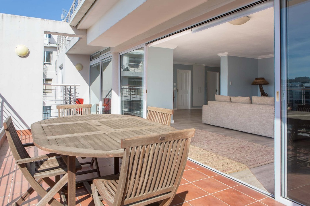 Spacious 2 Bed apartment in Upmarket Tyger waterfront