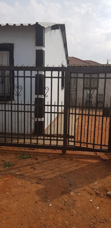 2 BedroomHouse For Sale In Moloto