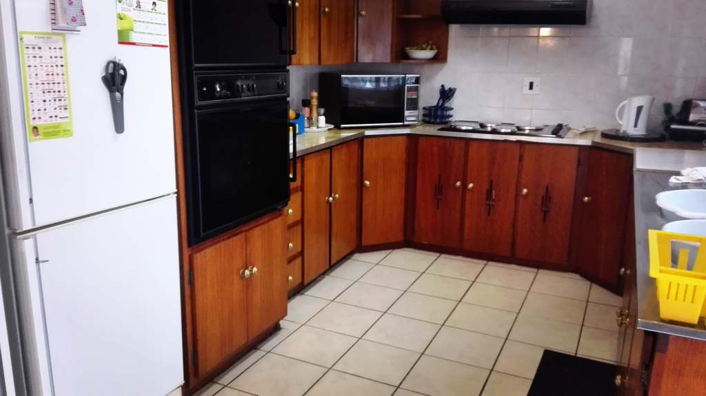 4 Bedroom House for sale in Garsfontein ENT0083808 : photo#15