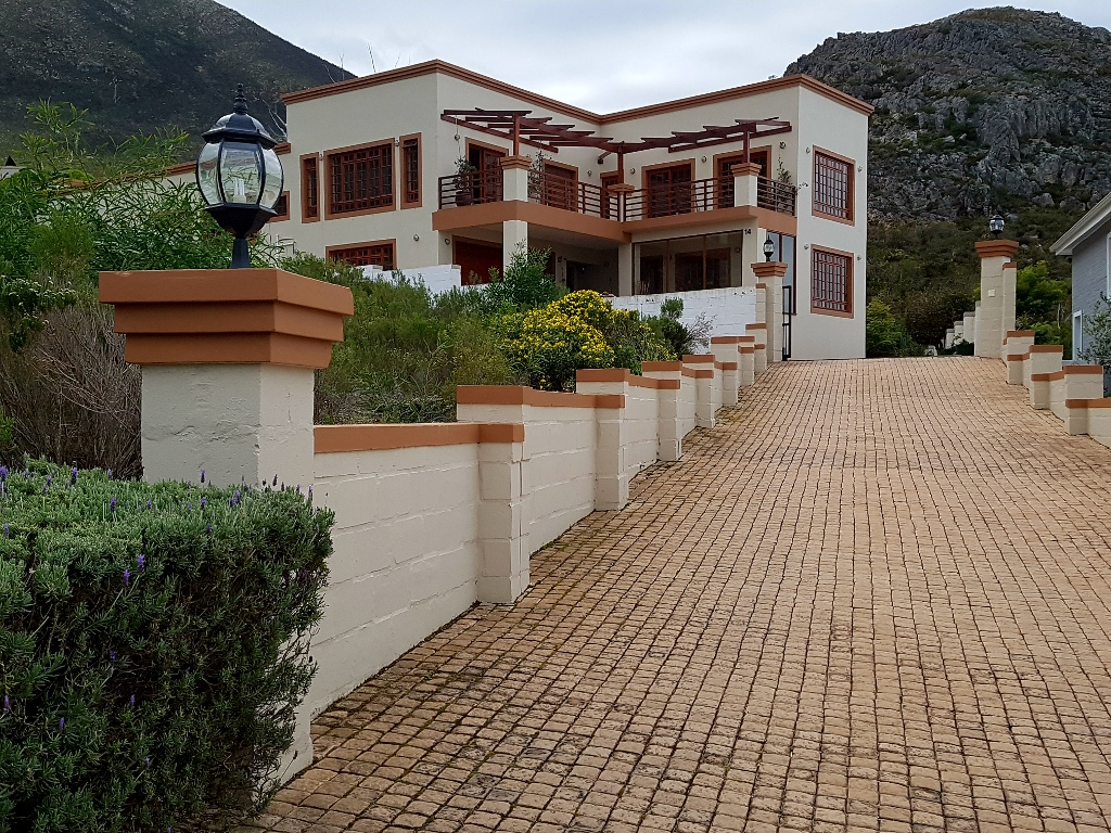 5 BedroomHouse For Sale In Chanteclair