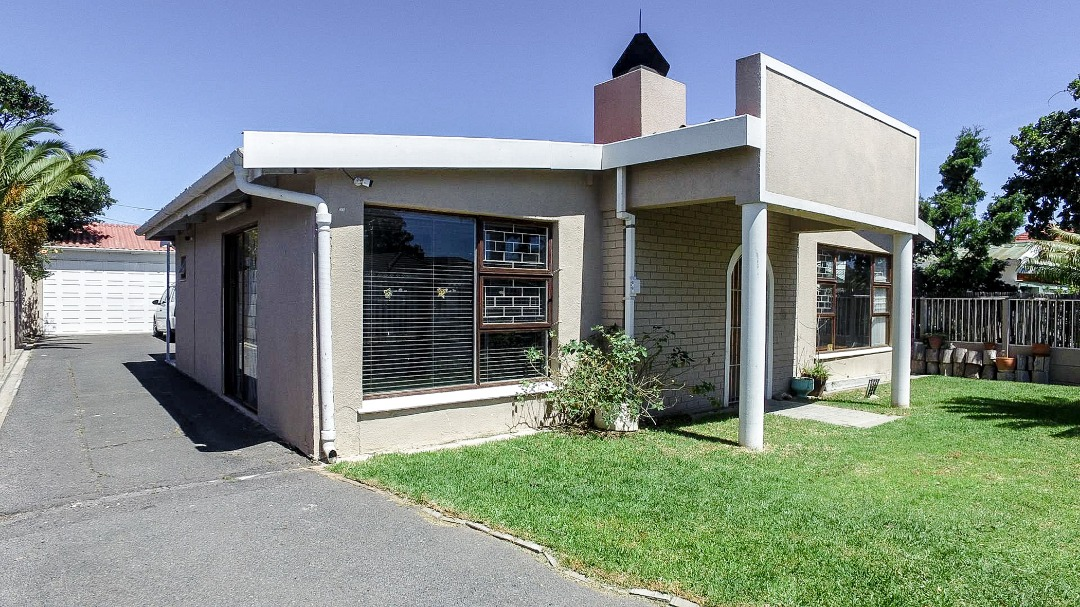 4 Bedroom Home with flatlet potential