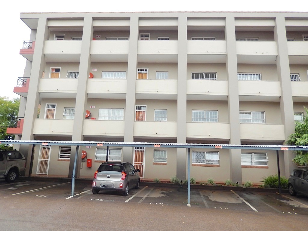 2 Bedrooms excellent investment MENLYN MAINE