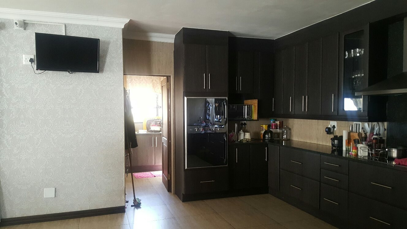 4 Bedroom House for sale in Montana Park ENT0073870 : photo#10