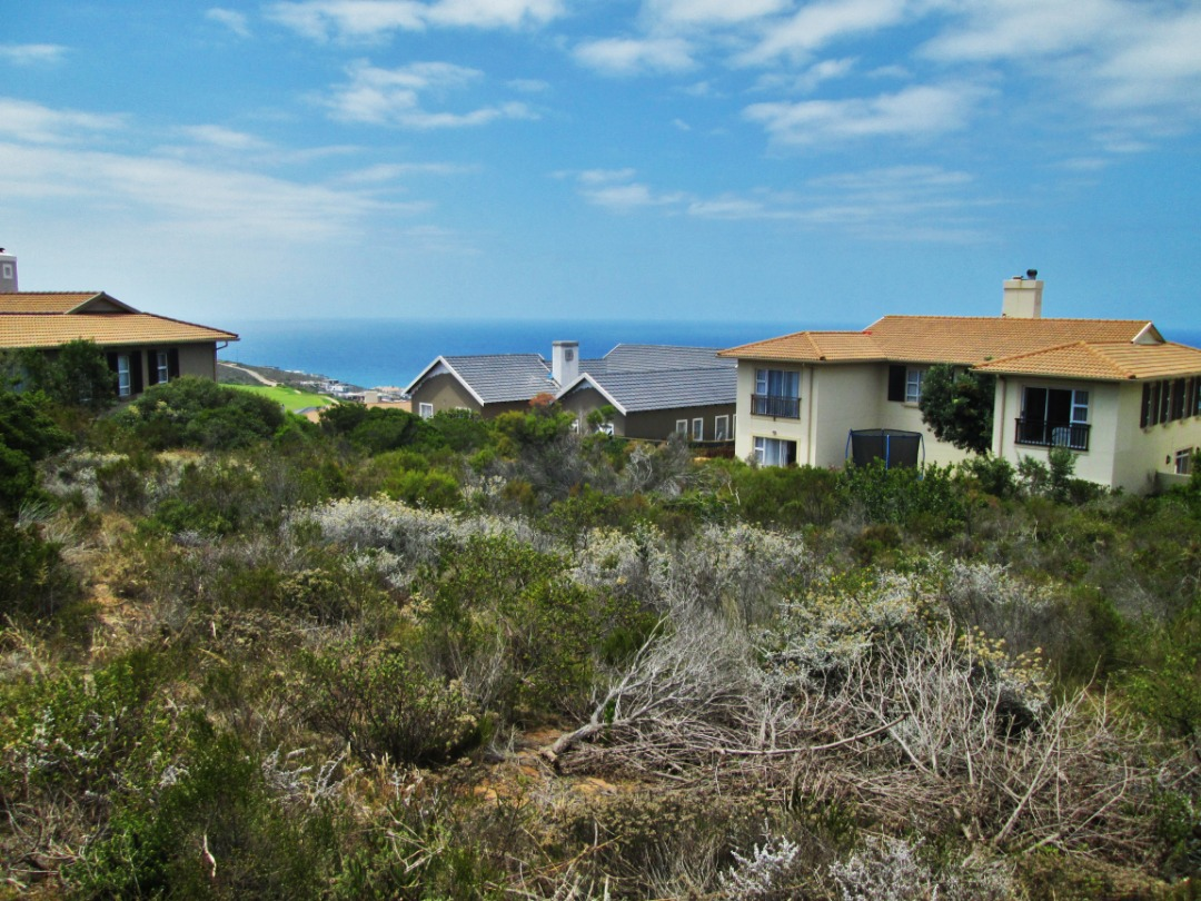 Vacant stand is now for sale in Pinnacle Point, Mossel Bay.