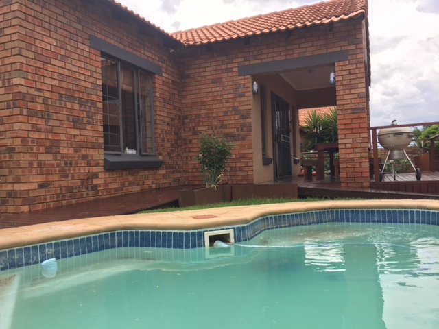 3 Bedroom Townhouse for sale in Mooikloof Ridge ENT0014316 : photo#2