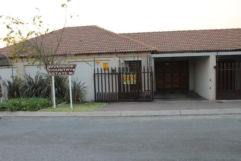3 Bedroom Townhouse for sale in Secunda & Ext ENT0009056 : photo#0