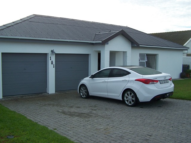 3 BedroomHouse For Sale In Yzerfontein