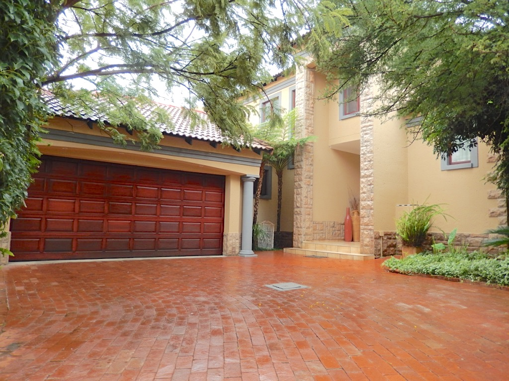 Easy Living in Security Estate PTA EAST