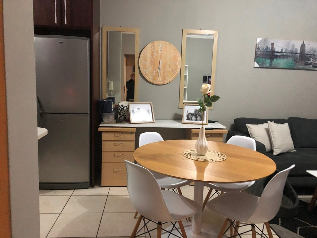 STUNNING 2BED 1BATH UNIT : nice unit good price