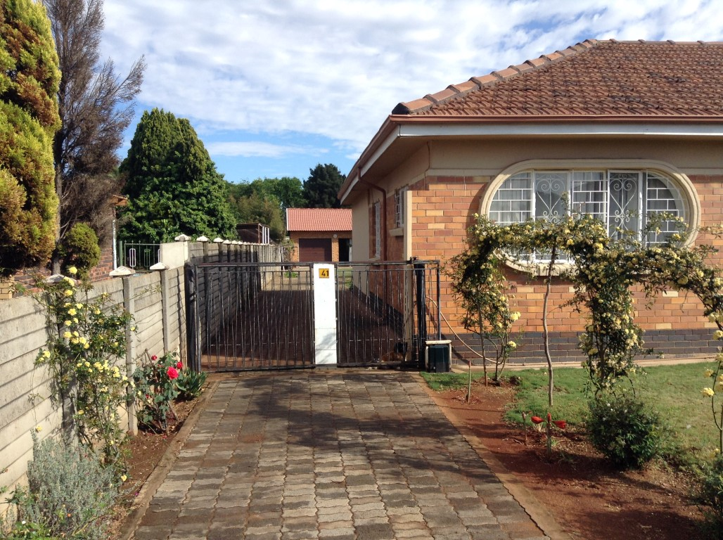3 BedroomHouse For Sale In Greenhills