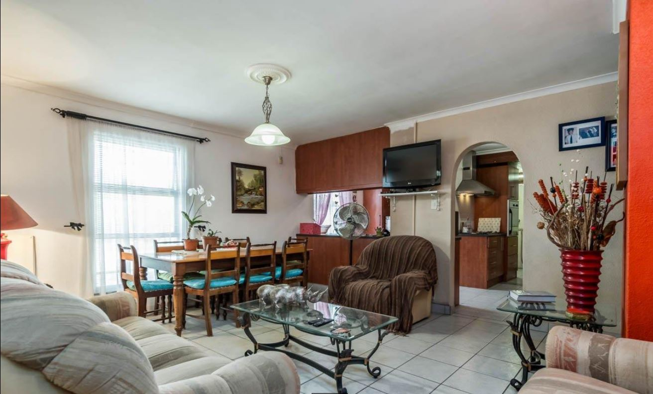 Great family home close to Cape Gate