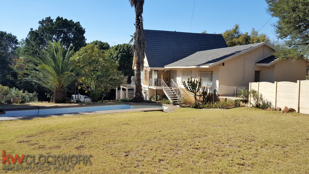 4 Bedroom House for sale in South Crest ENT0033744 : photo#0