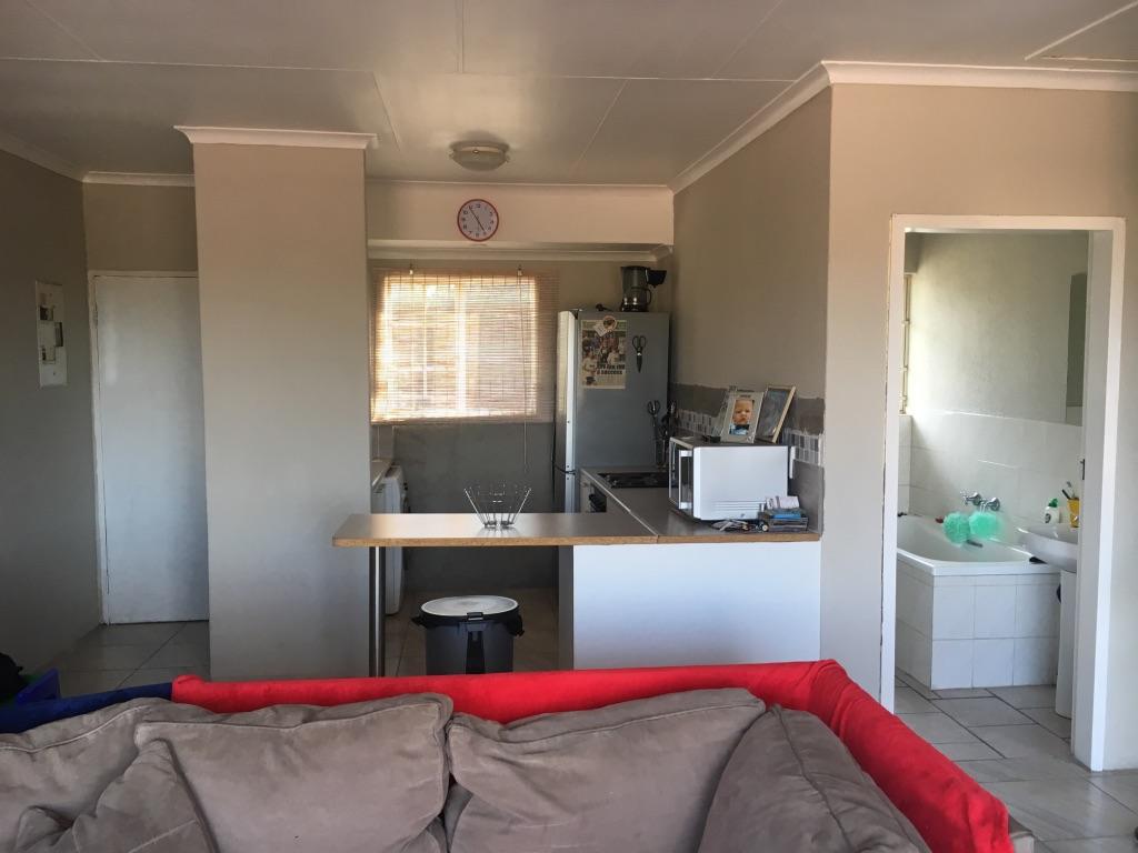 2 Bedroom Apartment pending sale in Radiokop ENT0016850 : photo#8