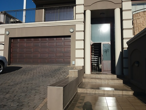 4 Bedroom Townhouse for sale in Bassonia ENT0075379 : photo#2