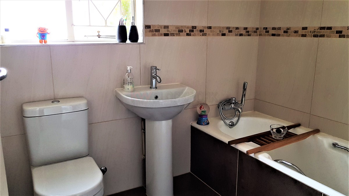 3 Bedroom House for sale in Verwoerdpark ENT0084389 : photo#13
