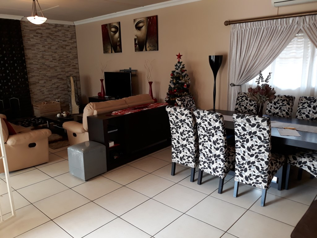 3 Bedroom House for sale in South Crest ENT0080475 : photo#17