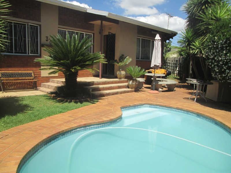 3 BedroomHouse For Sale In Klopperpark