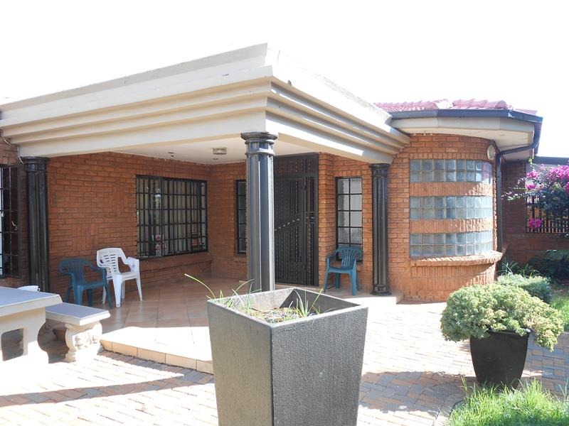 Smart Facebrick home in Lenasia South Ext 1