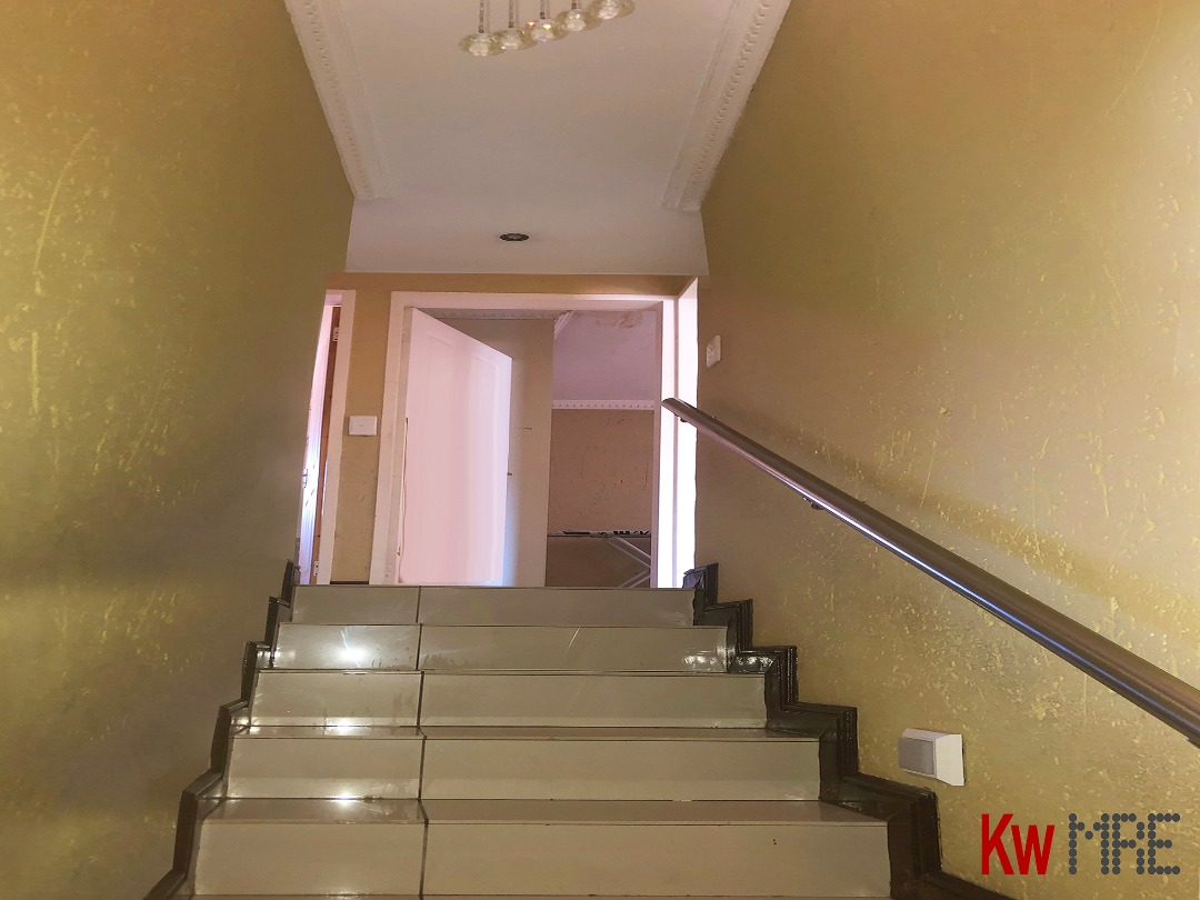 Stairs to second floor.jpeg