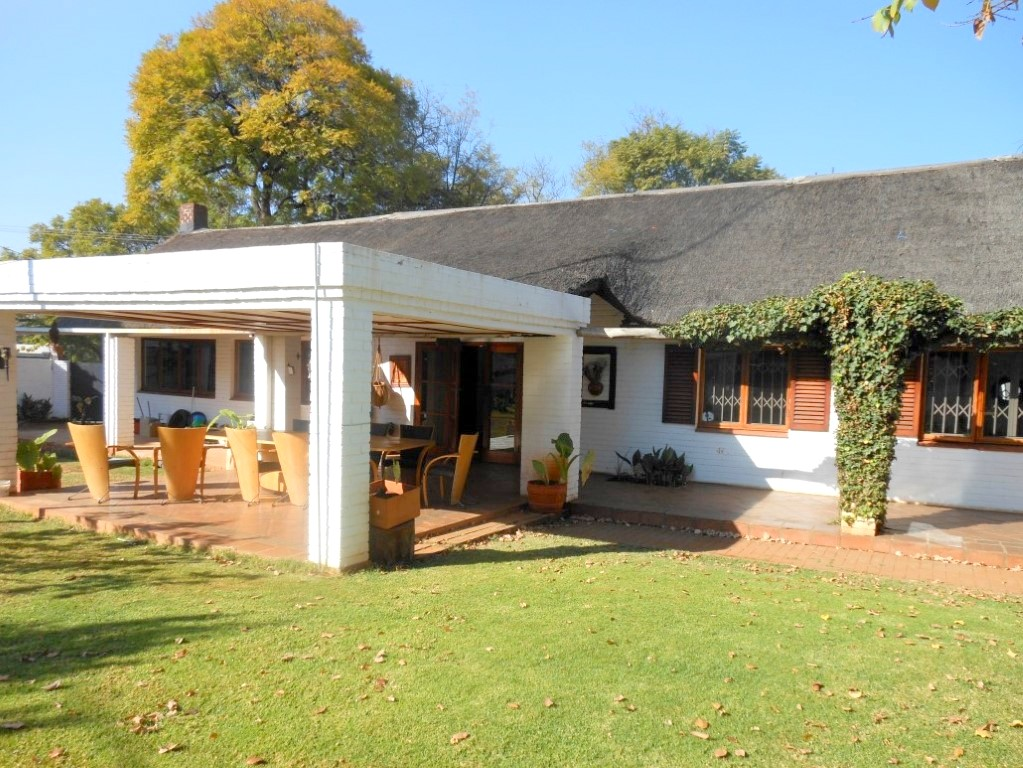 3 Bedroom house with student/gesthouse for sale in Colbyn