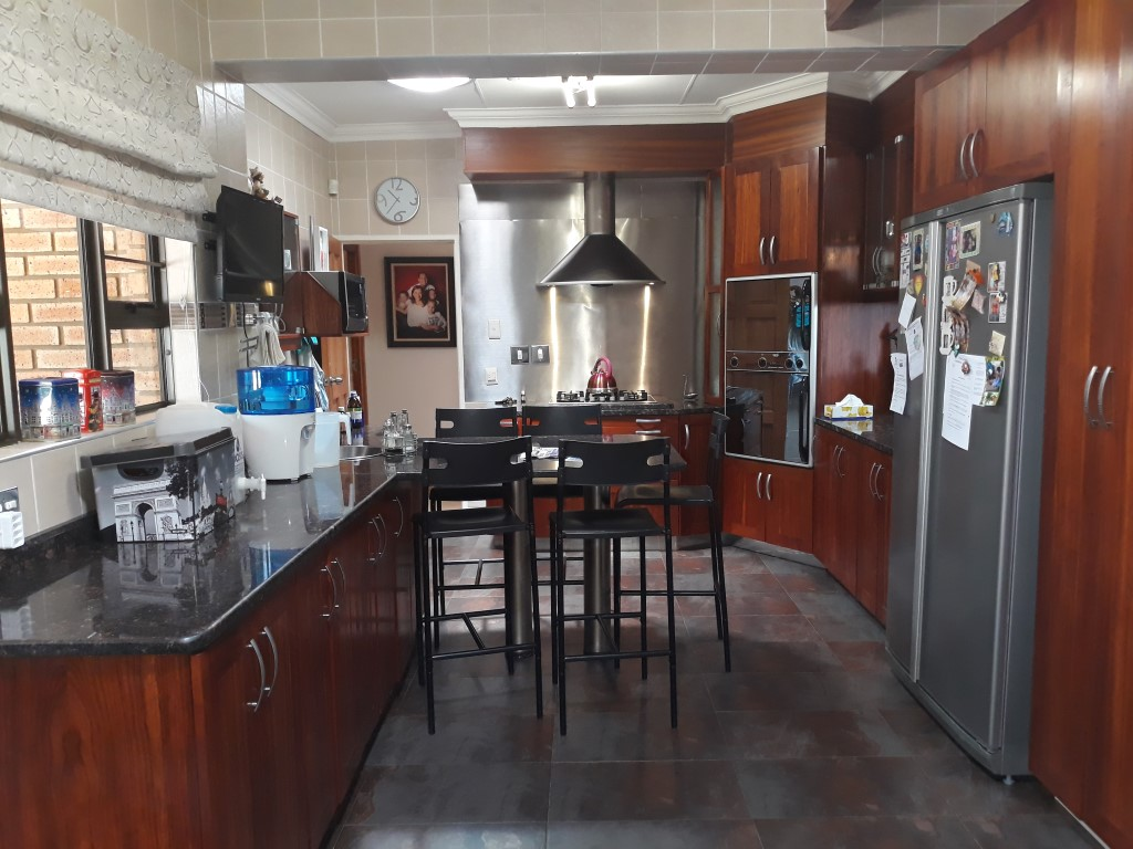 4 Bedroom House for sale in South Crest ENT0074591 : photo#0