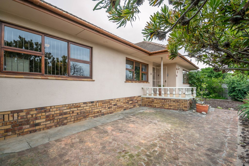 4 BedroomHouse For Sale In Clamhall