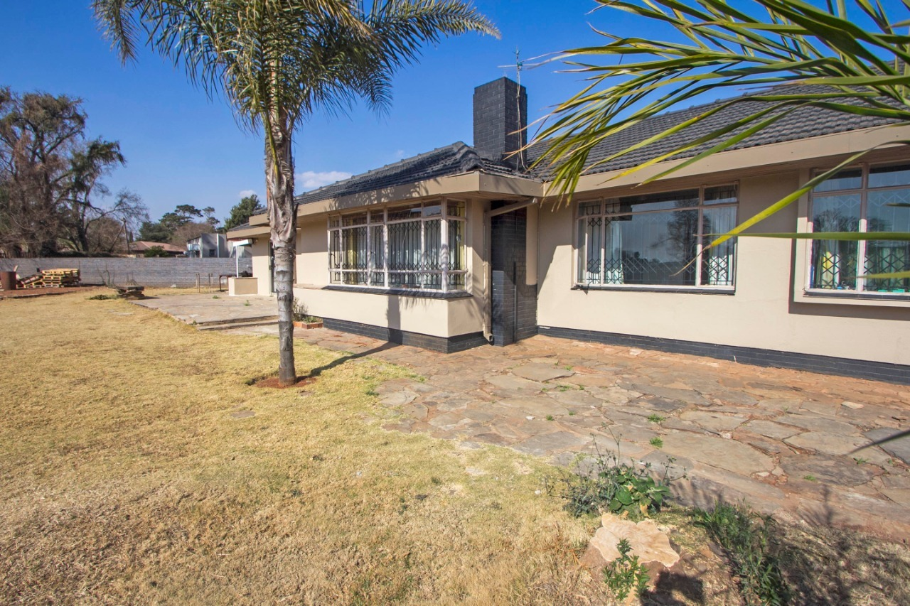 3 BEDROOM HOME IN CLAYVILLE, MIDRAND