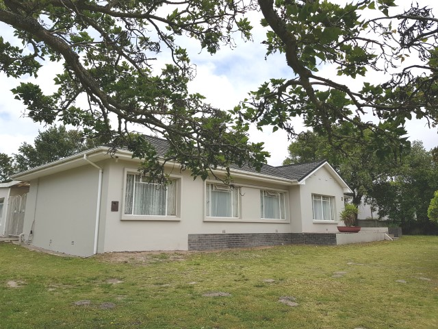 3 BedroomHouse Pending Sale In Linton Grange