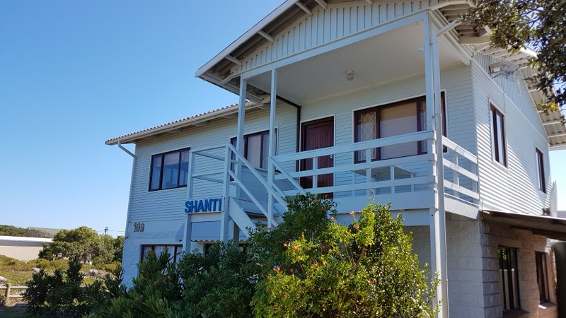 6 BedroomHouse For Sale In Franskraal