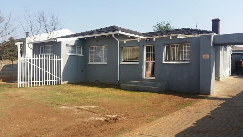 3 BedroomHouse Pending Sale In Sunnyridge