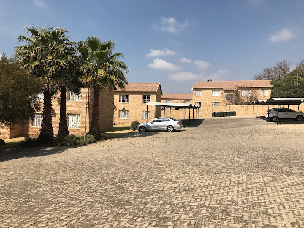 2 BedroomTownhouse To Rent In Northgate
