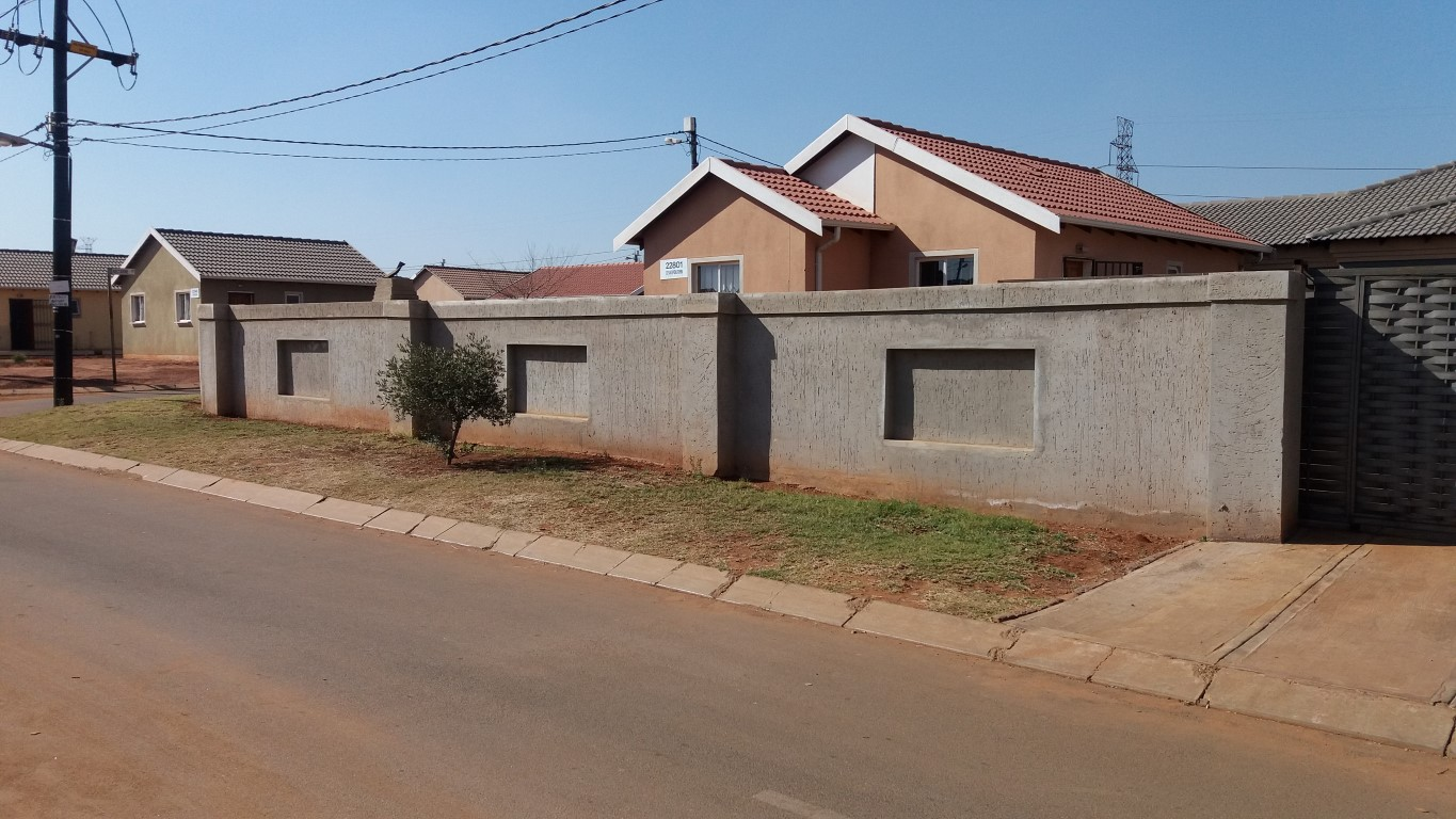 3 BedroomHouse For Sale In Protea Glen & Ext